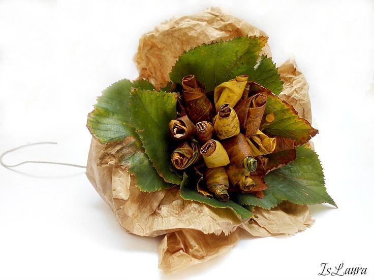 Bouquet di foglie e sacchetti del pane : islaura