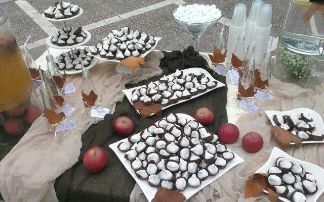 Αμυγδαλωτα dessert table