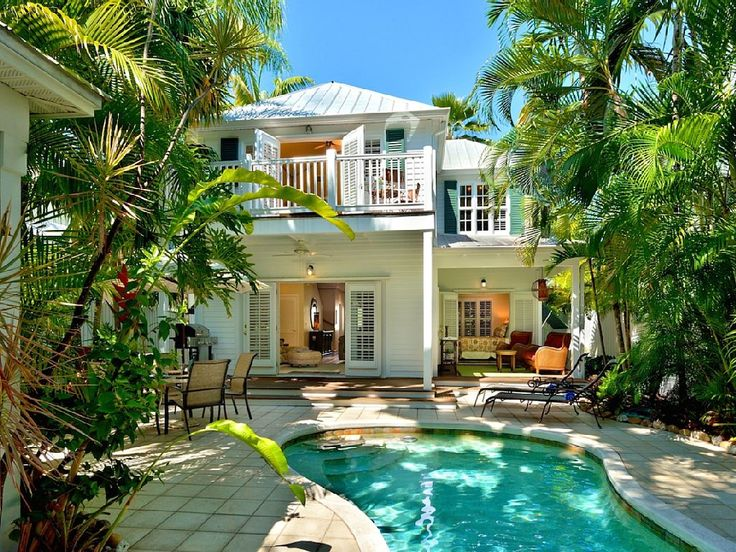 Key West House Rental: :: Bahamian Bamboo @ The Annex :: Bright & Breezy /  Pool / Near Duval & Beach.