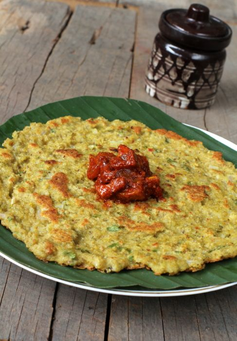Oats Adai, a healthy Indian breakfast recipe goes well with any chutney. A protein rich oats recipe from India that also makes for a nice evening tiffin.