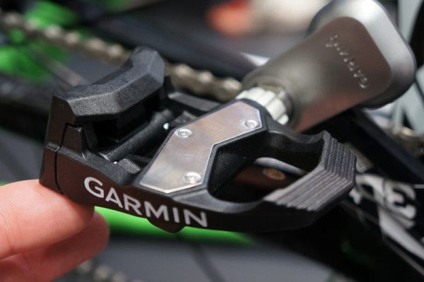 IB13: Garmin Edge Updates to Remote Control VIRB Camera, Hands on Vector Power Pedals