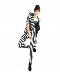 INSANE HALLOWEEN  BEETLEJUICE COSTUME