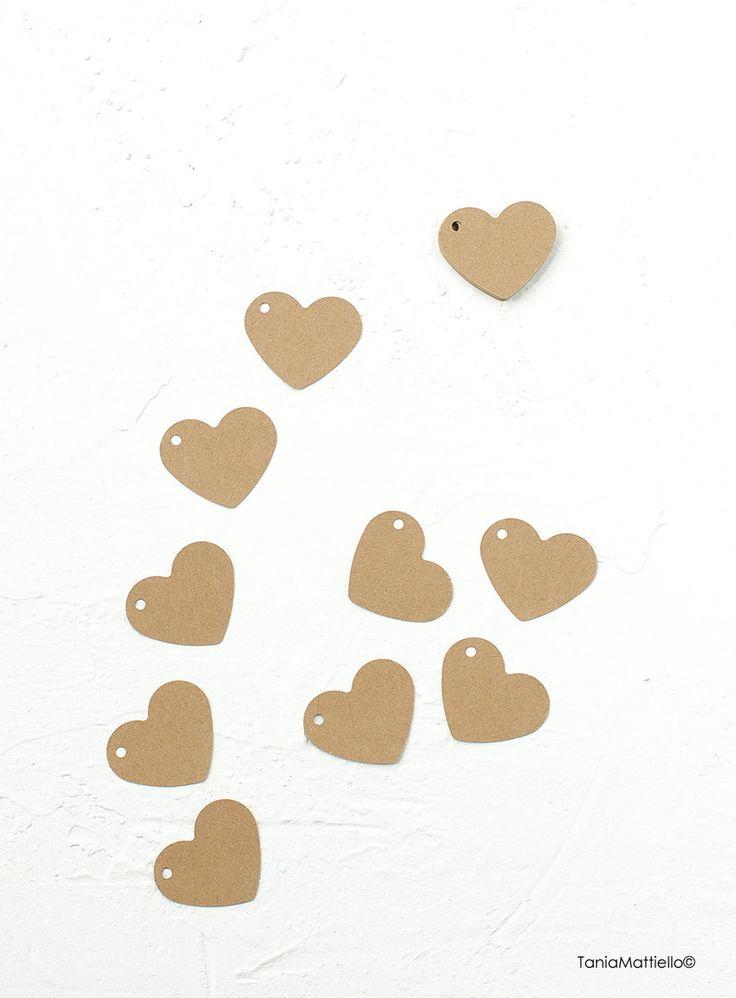 24 Etichette Cuore in Carta Kraft-Segnaposto-Targhette-Chiudipacco-Scrapbooking-Carta Riciclata-Matrimonio-Vintage-Tag-Timbro-Bomboniera di BolleDiCarta su Etsy