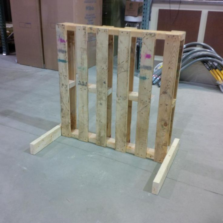 a simple pallet bike rack that i made at work cabin