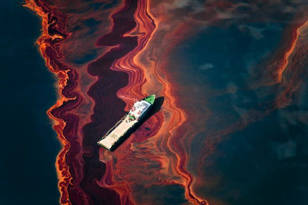 Beautiful Yet Horrifying Aerial Photos of the BP Oil Spill by Seattle-based Greenpeace photographer Daniel Beltrá