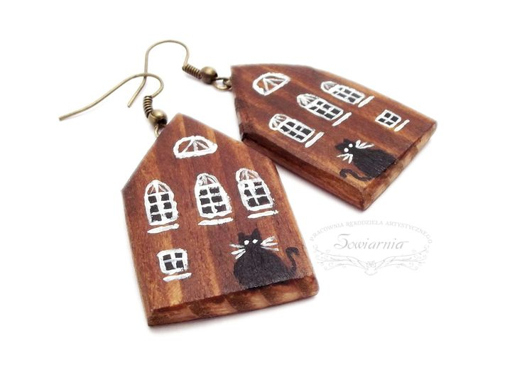 Wooden earrings - houses with black cats :)