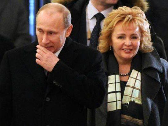 Vladimir Putin e la moglie divorziano alla soglia del trentesimo anniversario