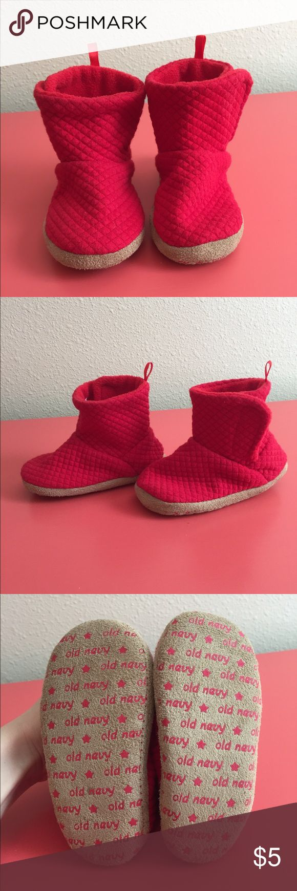 Old Navy Toddler Slipper Booties Old Navy Toddler slipper booties. In perfect condition. I got these for my daughter for Christmas and she wanted nothing to do with them. Worn for like 10mins in our living room. Fit small, more like a 6. Smoke and pet free home! Old Navy Shoes Slippers