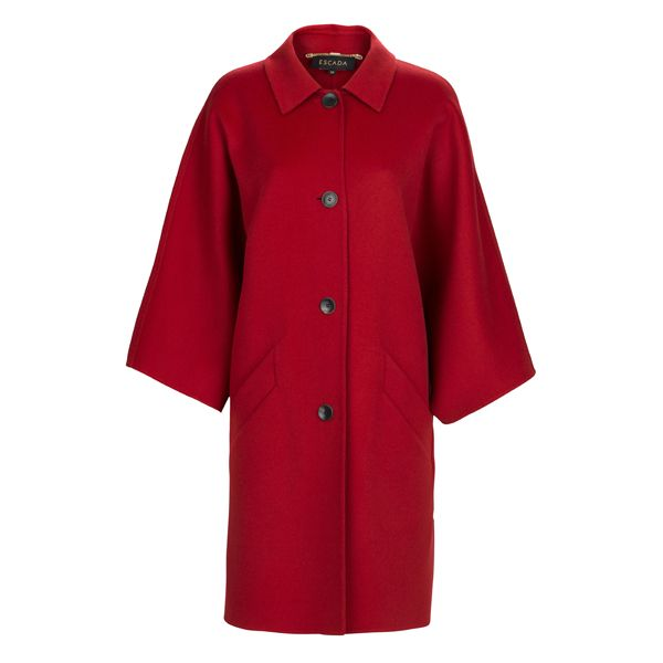 A Must-have for cold days: a red coat from #Escada l #DesignerOutletParndorf
