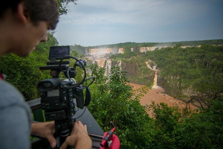 """making-of"" del video en Iguazú, Argentina"
