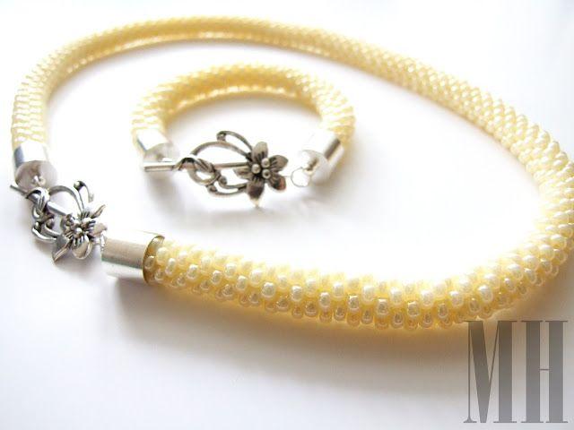 polandhandmade.pl  #polandhandmade #jewellery Naszyjnik i bransoletka w kolorze kremowym z koralików Preciosa | MH Biżuteria - cuda ręcznie wykonane