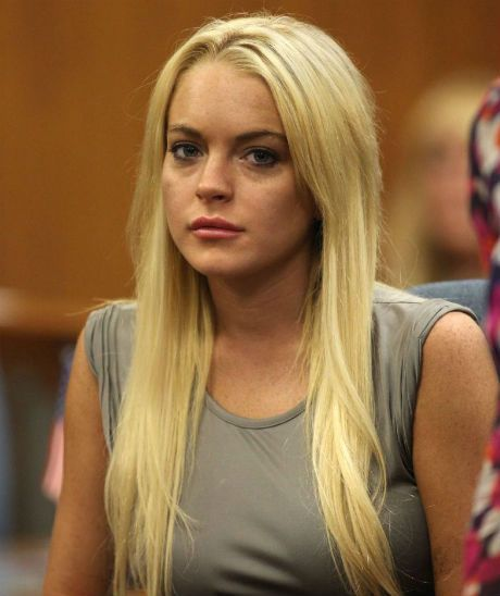 Lindsay Lohan Steals Goods From The Set of Anger Management