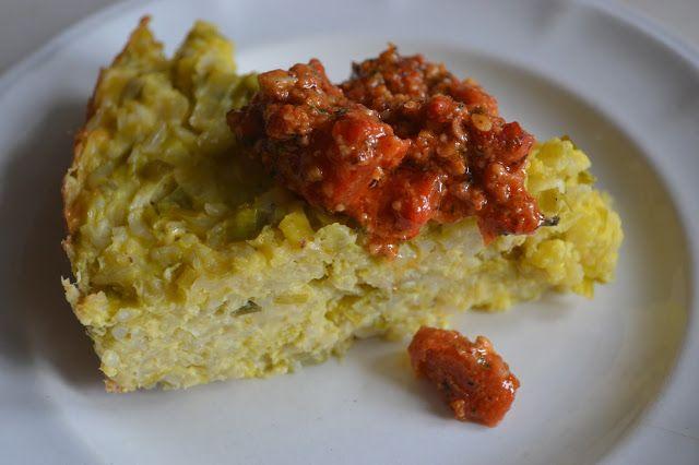 Spaanse preitaart met rijst en romescosaus – Spanish leek bake with rice and romesco sauce- torta de puerros con arroz y salsa de romesco(GF-SF). http://boeddhamumglutenfree.blogspot.nl/search?updated-max=2016-05-19T16:30:00+02:00