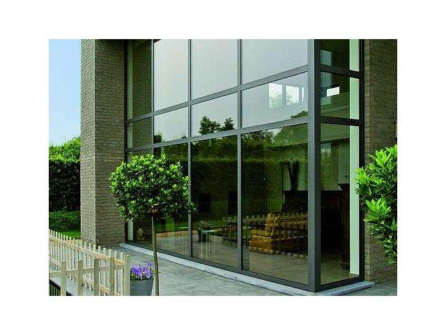 Fenêtre en aluminium • www.sapa-chassis.be # livios.be