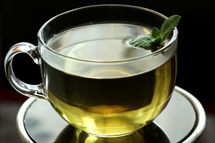 Fresh spearmint tea is very refreshing. It is best made with leaves taken from the garden, as the fresher they are, the more flavor they will impart to the tea. Pour 1 1/4 pints of water into a large saucepan.
