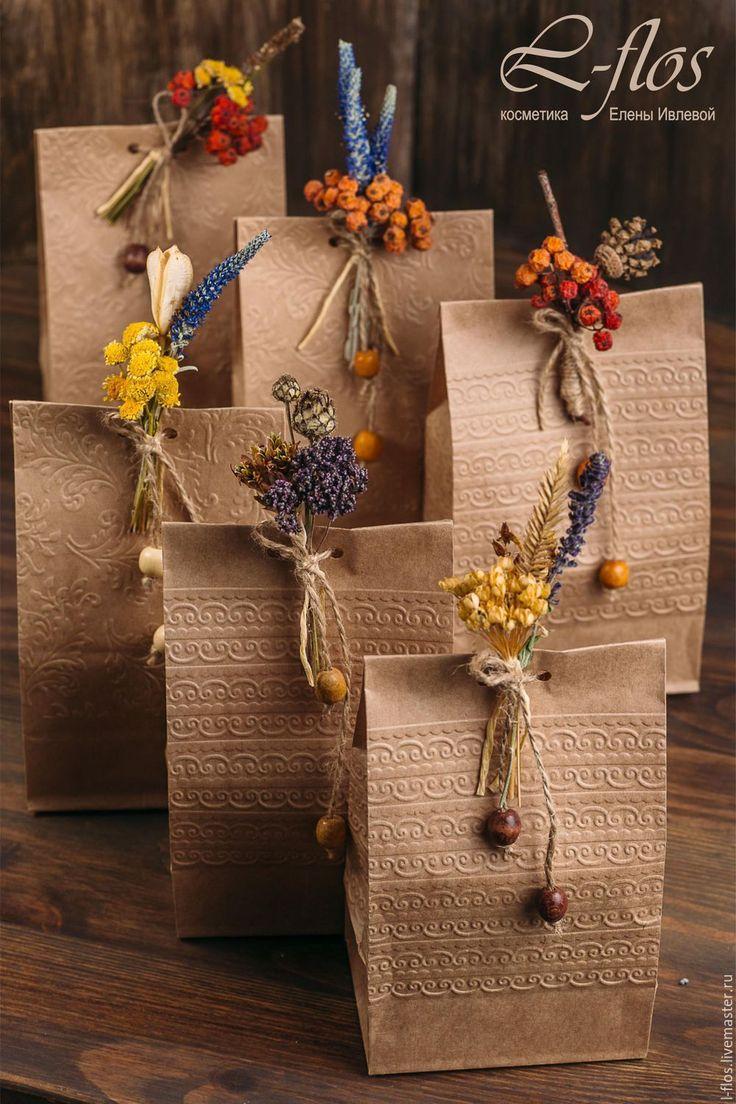 Купить Подарочная упаковка с бутоньеркой из сухоцветов - комбинированный, подарочная упаковка, подарочный пакет, упаковка подарка