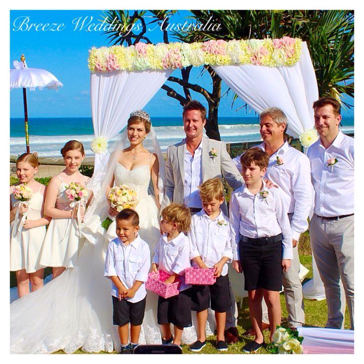 Happy new family Inna&Dean married at Mick Schamburg Park Burleigh Heads #breezeweddings #burleighheads #wedding #mickschamburgpark #beach #australia #lovemyjob #perfectday #norain #любимаяработа #свадьба #австралия #молодожены #свадьбанаморе #свадебныйстилист