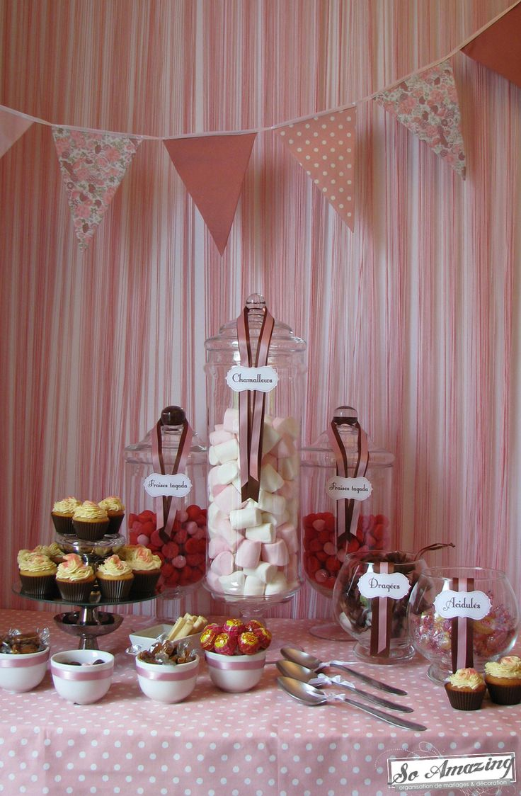 Pink candy bar    http://so-amazing-evenements.com/blog/wp-content/uploads/Bar-a-bonbons-idees-animations-mariage-baby-shower-bapteme.jpg