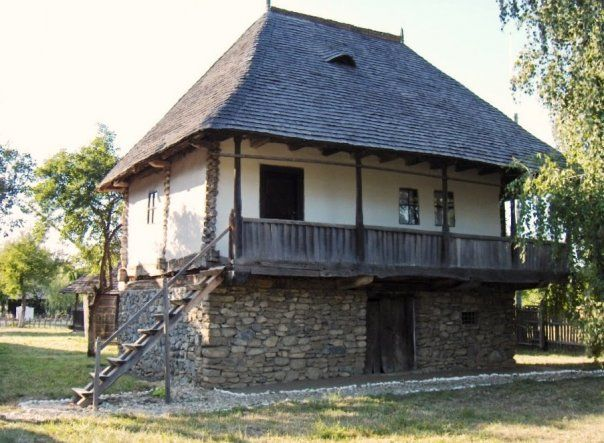 arhitectura romaneasca traditionala - Google Search