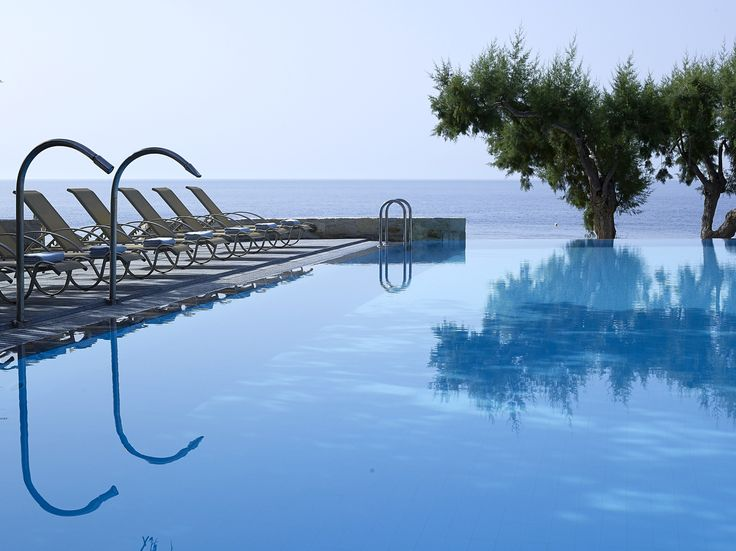 ‪#‎Kakkos‬ ‪#‎Bay‬ ‪#‎Hotel‬ is constructed in harmony with its natural environment and has a nostalgic ambience that is often missing from luxury hotels. Ready to ‪#‎Book‬:http://www.cretetravel.com/hotel/kakkos-bay-hotel
