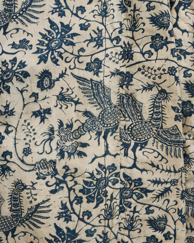 lange vrouwenjas of wentke Een wenttke in wit-blauw werd gedragen bij lichte rouw.