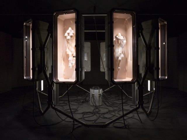 Didier Faustino salutes designer Pierre Hardy and Hermès with a nod to the Big Bang - News - Frameweb