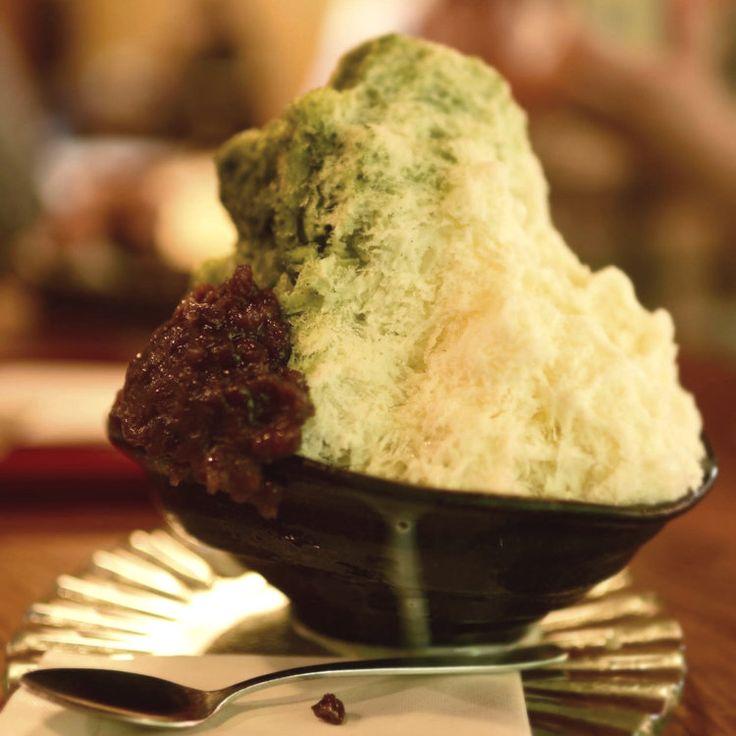 """""""氷を愛でる神様""""を祀る神社があり、観光案内所などでもらえる「奈良かき氷マップ」がスイーツ好きの間で話題を呼んでいる奈良県。今回は「ことりっぷアプリ」の投稿から、かき氷が食べられる店をご紹介。古都らしい、和の素材をふんだんに使ったかき氷が人気ですよ。"""