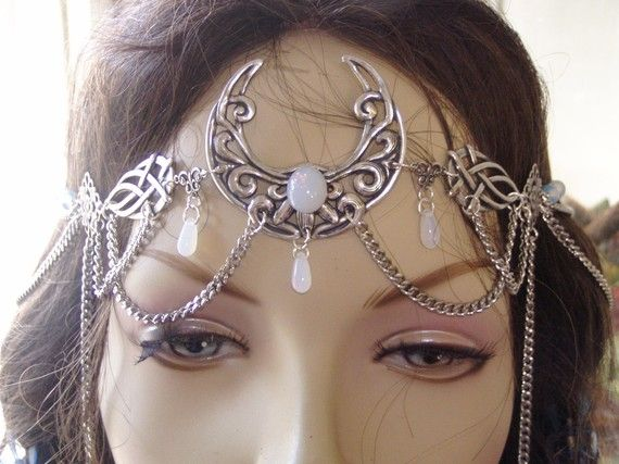So, if I was getting married in a totally pagan ceremony, I would totally wear this!!!