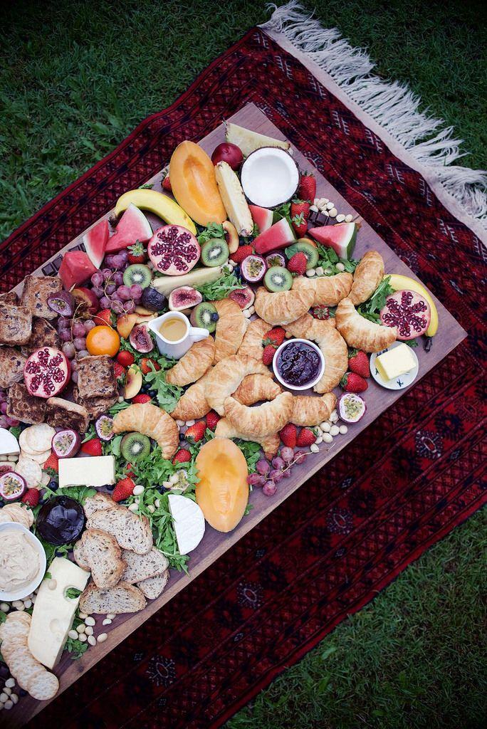 The ultimate breakfast platter: http://apairandasparediy.com/2016/03/an-easy-and-impressive-brunch-table-platter.html