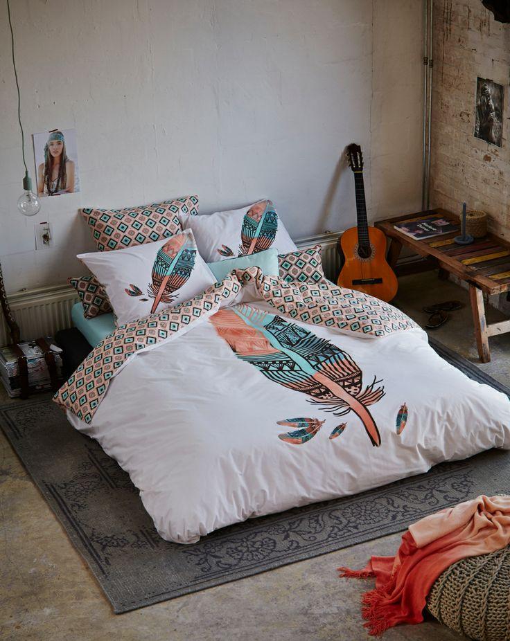 Zomers en dubbelzijdig dekbedovertrek  #bedroom #feather