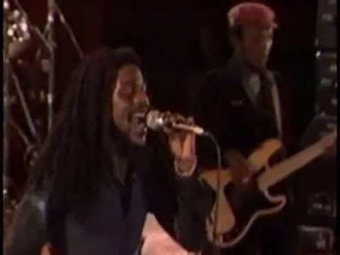 Dennis Brown And Lloyd Parks Band - If I Had The World Live Sunsplash Montego Bay, Jamaica (1981) - YouTube