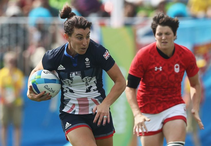 Alice Richardson of Great Britain carries the ball to score a try against Canada during the Women's Pool C rugby match on Day 2 of the Rio 2016 Olympic Games at Deodoro Stadium on August 7, 2016 in Rio de Janeiro, Brazil.