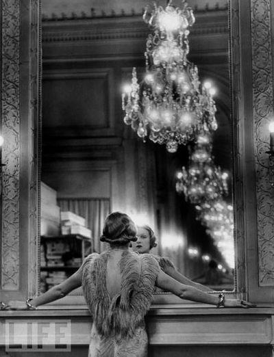 憧れってさ、どっちの方向から来てるんだ? And shining, fairly surrounded, longing towards precision, 18 Jan, 2015. // Reflection 1934