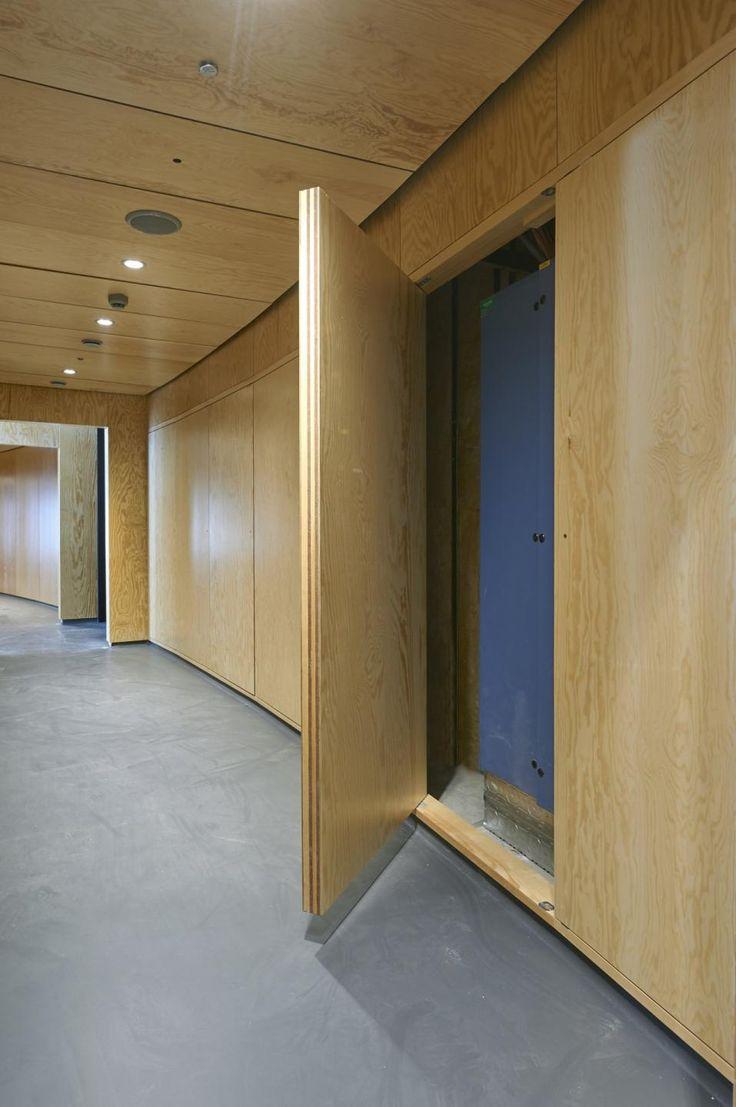 Brandgodkendte pinolhængte paneldøre beklædt med krydsfinér sørger for nem…