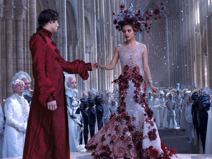jupiter ascending | ... crystals were used to create the costumes in 'Jupiter Ascending