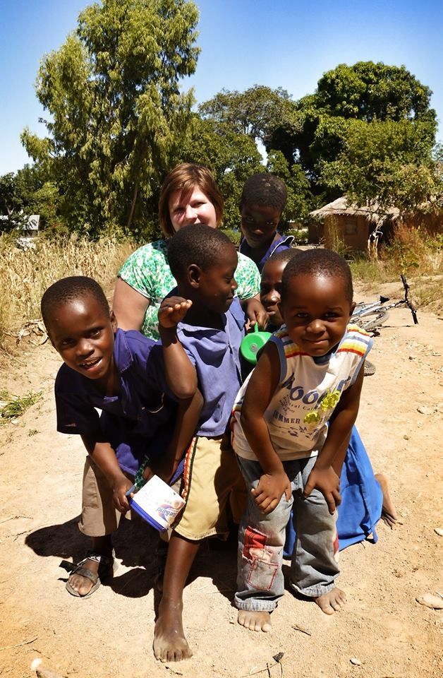 Kensington Africa expert Gabrielle Nijdam enjoys a day with local kids in Malawi!