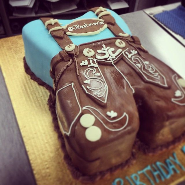 Our cake decorator Maria made this German themed masterpiece for the director of @ofestmovie