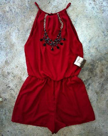 Calla Lilly Romper - I would love the color, the necklace, the romper is perfect