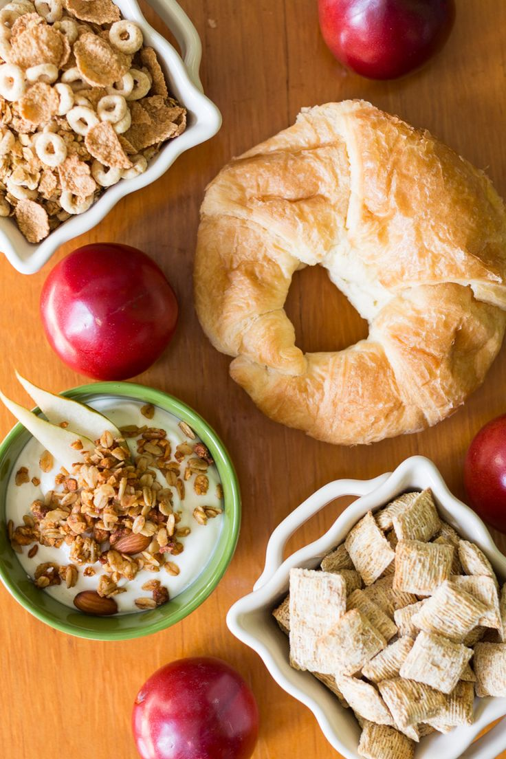 Are you doing the cooking on Thanksgiving? Save time and trouble by using these easy no cook Thanksgiving breakfast ideas. Sponsored by @Noble