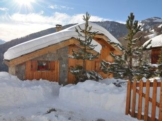 Location d'un chalet de luxe à la montagne, à Pra-loup 4 chambres - 8 personnes - 1500/2000 €