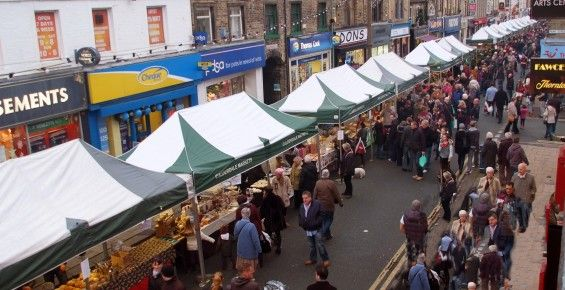 Commercial Street in Brighouse has been entered for #GBHighSt.  The Brighouse Business Initiative has over a period of 3 years turned Brighouse into the number one tourist destinations in Calderdale.  Events include: Brighouse 1940's Weekend - attracting in excess of 100,000 to the town over the course of a weekend, Victorian Christmas Market, Brighouse Canal and Beer Festival, the Brighouse Festival. The group also organise a community cinema. The group have several websites to advertise…