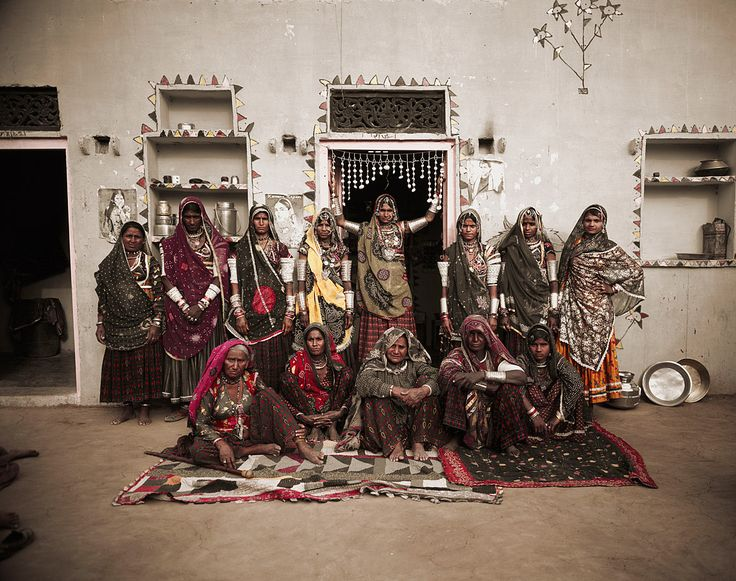 The Rabari women dedicate long hours to embroidery, a vital and evolving expression of their crafted textile tradition.