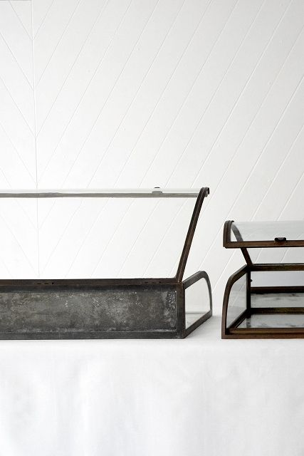 Curved Glass Display Showcase C.1900