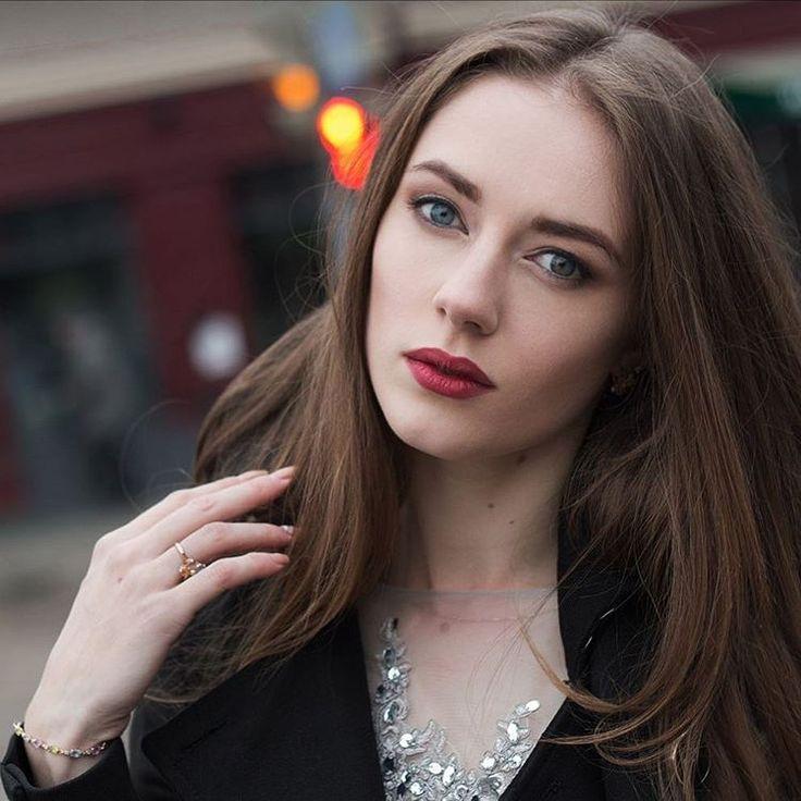 Макияж для фотосессии очаровательной Екатерины. #визажистростовнадону #макияжростов #визажистростов #ростов #фотосессия #фотосессияростов #макияж #девушка #makeup #girl #beauty