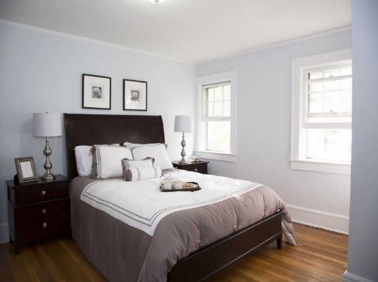 Blue, grey, dark brown bedroom