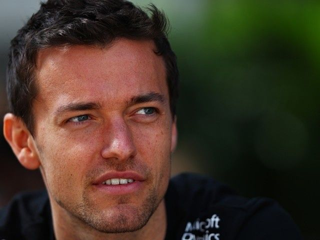 Jolyon Palmer suspects Felipe Nasr-like chassis flaw