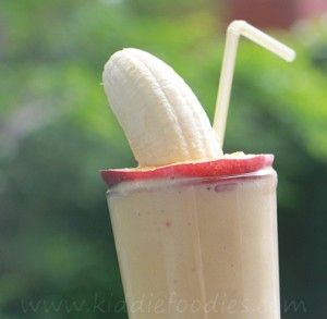 Peach banana smoothie with yogurt and fruit sombrero - Kiddie Foodies