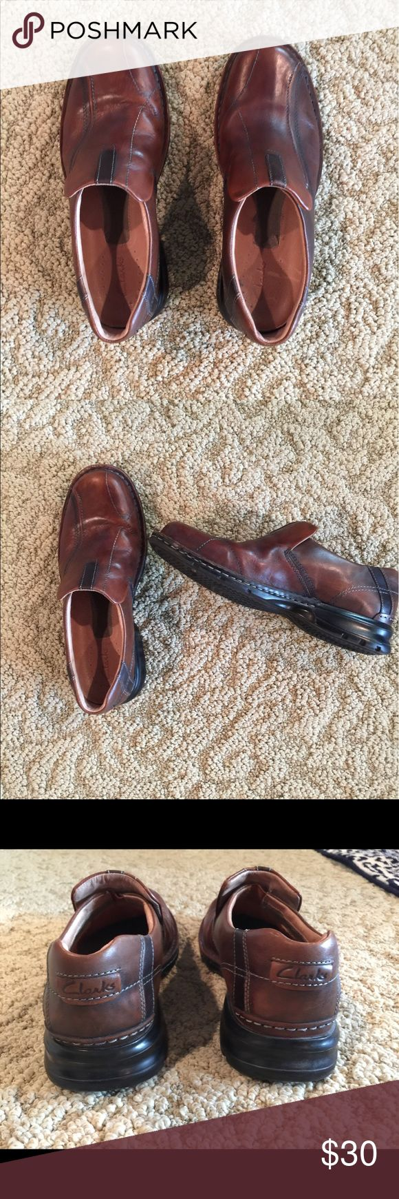 MENS CLARKS SLIPON BROWN LOAFERS SIZE 10 1/2 MENS CLARKS BROWN SLIP ON LOAFERS GENTLY USED SIZE 10 1/2 Clarks Shoes Loafers & Slip-Ons