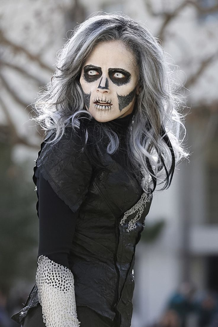 "Silver Banshee smirks.l ""I'm back!"" She yells and everyone within a five block radius falls to the ground. Mercy steps up. ""This city has failed the League."" Mercy says and nods at Hartley and Silver Banshee. Silver Banshee screams and building knock over, adults grabs their kids and try to protect them. Hartley goes over to a family twirling her knife. ""Stop!"" Ben yells. Hartley glared at Ben as she kills the mom. ""You are not killer!"" Ben yells. ""You don't know what I am!"" Hartley yells…"