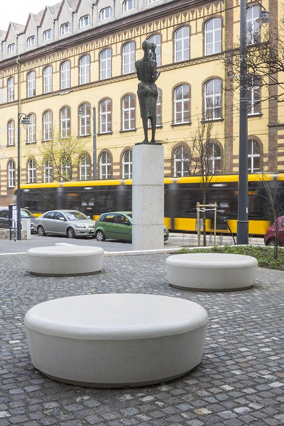 #seats #exposedconcrete #wonderfull #Budapest